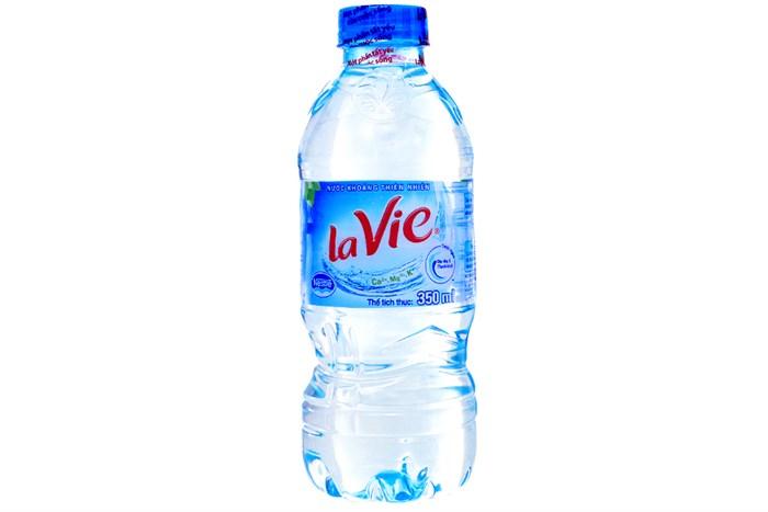Nước khoáng La Vie chai 350 ml